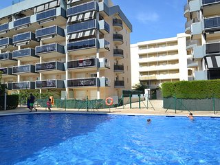 Bright 3 bedroom Apartment in La Pineda with Internet Access - La Pineda vacation rentals