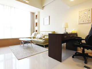 Luxury Serviced Apts near MRT Taipei 101 with pool - Taipei vacation rentals