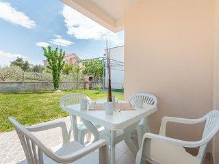 Apartments Glavan - 27041-A1 - Privlaka vacation rentals