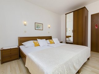 Apartment and Rooms Ana - 32801-A1 - Podstrana vacation rentals
