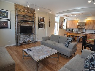 Amazing Loft Home 4 Bdrm, 3 Bath, Perfect for Families, Couples, Girl's Getaways - Chicago vacation rentals