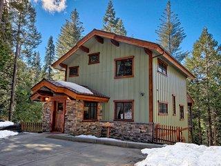 Two King Bedrooms, Two Baths, Inside Yosemite Gates - Yosemite National Park vacation rentals