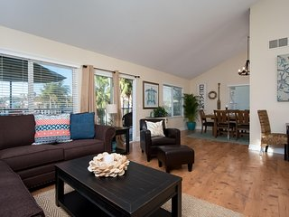 April special $149/night! Spacious Coastal Condo, Steps to Beach Access & Restaurants at North Beach! - San Clemente vacation rentals