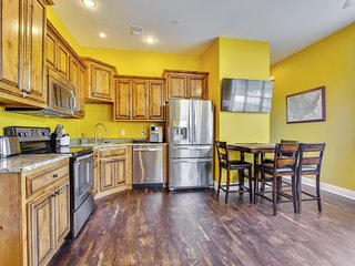 Brand New 2 bed/ 2 bath Studio Condo next door to New Clubhouse with Indoor Amenities. - Branson vacation rentals