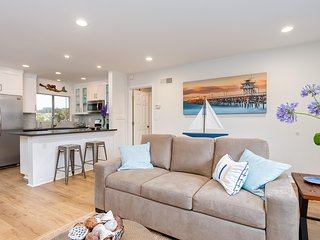 March Special $85/Night! Coastal condo 4 houses to beach access and steps to Casa Romantica! - San Clemente vacation rentals