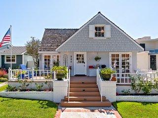 Five bedroom ocean view cottage by Corona Del Mar State Beach! - Corona del Mar vacation rentals