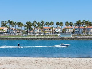 New! 3 bedroom with water views on the Alamitos Bay! - Long Beach vacation rentals