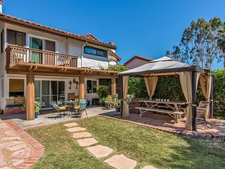 Quiet Town home with Private Yard and Patio, and AC. Access to Community Pool and Tennis Courts. - San Clemente vacation rentals