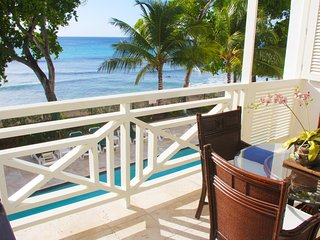Luxury One Bedroom Beach Front Condo in Paynes Bay - Paynes Bay vacation rentals