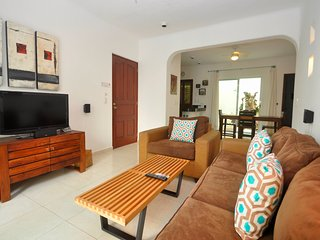 PK10 - Poolside 2 Bed 2 Bath with Pool - Playa del Carmen vacation rentals