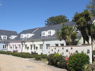 The Ellingham Cottages - Beautiful Guernsey self-catering holiday - Saint Martins vacation rentals