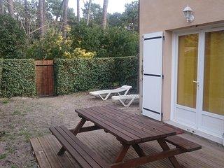 Duplex avec jardin proche plages et commerces - Lacanau-Ocean vacation rentals