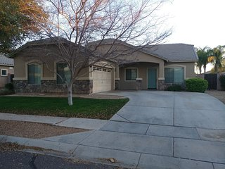 Large Family Gilbert Getaway - BBQ, theater room - Gilbert vacation rentals