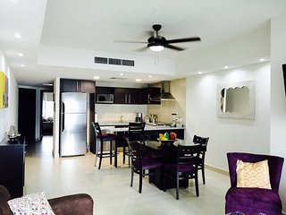 beautiful 1 bedroom condo in Grand Venetian with jacuzzi in balcony. - Puerto Vallarta vacation rentals