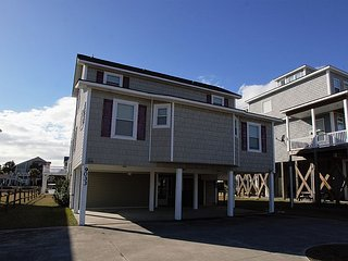 Sunset Get Away - SAVE $55 off  booking fees!! - Perfect Location, Canal Front - Surf City vacation rentals