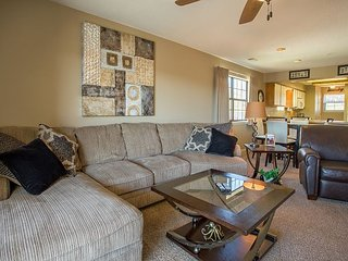 View at the Foothills - 2 Bedroom, 2 Bath Condo right in the Heart of Branson - Branson vacation rentals