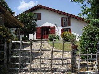 Appartement Ursuya au BaskoParadis - Louhossoa vacation rentals