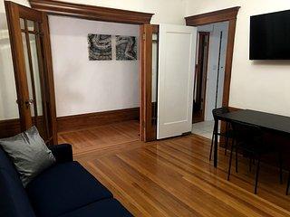 2BR: Charming, spacious apartment with lots of natural sunlight - San Francisco vacation rentals