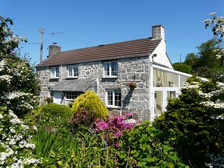 Perfect 4 bedroom Lanlivery House with Internet Access - Lanlivery vacation rentals