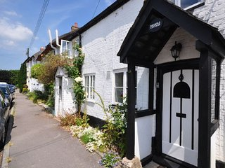 Perfect 2 bedroom Cerne Abbas Cottage with Internet Access - Cerne Abbas vacation rentals