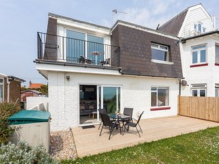 Comfortable 2 bedroom House in Pevensey Bay with Internet Access - Pevensey Bay vacation rentals