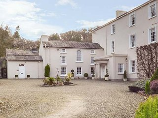 RHYDLANDGOED, fantastic gardens,character features, countryside views in - Stepaside vacation rentals