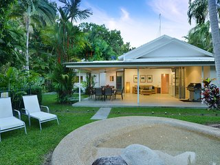 Villa Solina - 4 Bedroom House by the Beach - Port Douglas vacation rentals