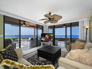 April & May Specials low as $125/nt  NEW GROUND FLOOR CORNER UNIT! - Kailua-Kona vacation rentals