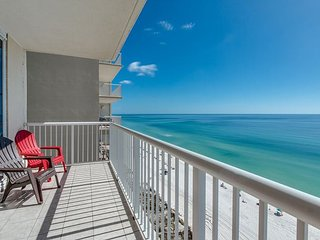 FREE Activities at $126 value-1BD/1BA W/ King Sized Bed! Private balcony! - Panama City Beach vacation rentals