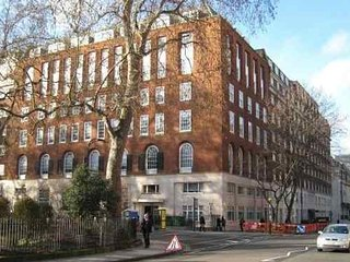 Economical Bloomsbury Studio - Ideal for Families - London vacation rentals