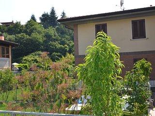Trilocale 7  posti letto veranda, giardino, garage, wifi, Salò Lago di Garda - Roè Volciano vacation rentals