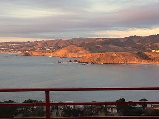 Beautiful 3 bedroom Pacifica House with Deck - Pacifica vacation rentals