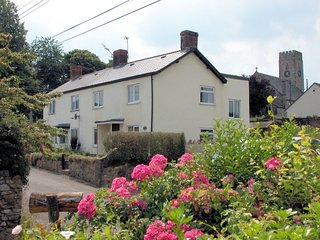 Charming House with Internet Access and Fireplace - Sampford Arundel vacation rentals