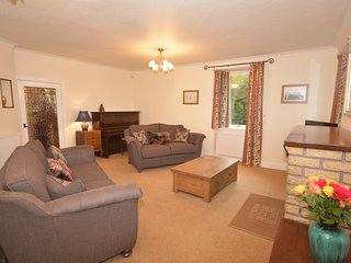 Spacious 4 bedroom Forfar House with Internet Access - Forfar vacation rentals