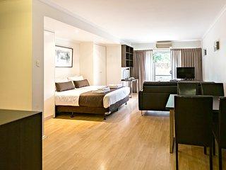 Studio Apartment - Archer St, North Adelaide - Adelaide vacation rentals