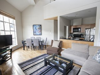 'Glacier Lodge' Modern & Spacious 2 bedroom suite  w/ Pool & Hot Tub! - Whistler vacation rentals