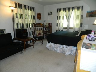 HOUSESHARE at  ROSE'S COZY MOUNTAINVIEW  duplex - Rutland vacation rentals