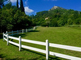 Charming little house in splendid estate - Anduze vacation rentals