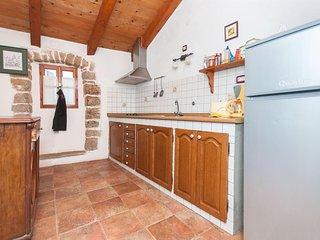 Nice Studio with Internet Access and Washing Machine - Sveta Katarina vacation rentals