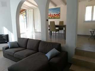 Nice Condo with Deck and Internet Access - Isolabona vacation rentals