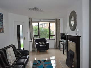 Superb Townhouse beside beach and close to Dublin City Centre - Dublin vacation rentals