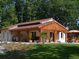 Cozy 3 bedroom Villa in Salviac - Salviac vacation rentals