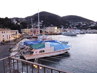 "Inhoming ""Appartamento Rive Droite "" Ischia Porto - Ischia Porto vacation rentals"
