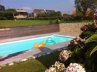 longère bretonne, piscine chauffée - Cleden-Cap-Sizun vacation rentals