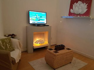 West End Apartment - Great Location! - Bearsden vacation rentals