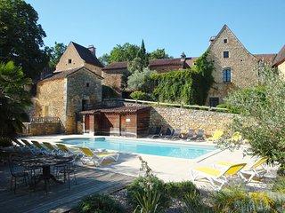 Le Hameau du Peyrie, gîte de caractère (3 à 5 pers), piscine chauffée, tennis - Saint-Front-sur-Lemance vacation rentals