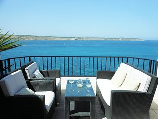 On the seafront Penthouse stunning panoramic View - Mellieha vacation rentals