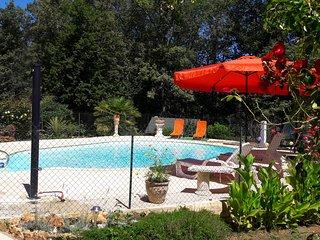 Maison avec piscine proche de Sarlat - Sainte Nathalene vacation rentals