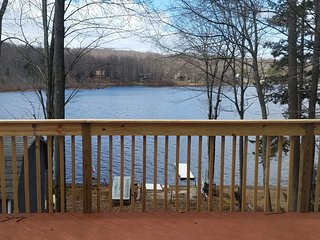 Country Lakefront Ski Cottage w/Pool Table - Pocono Lake vacation rentals