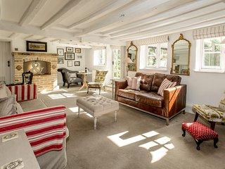 Perfect 3 bedroom Beaulieu House with Internet Access - Beaulieu vacation rentals